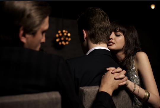 丈夫出轨妻子_丈夫发现妻子出轨照片_丈夫出轨不碰妻子怎么办