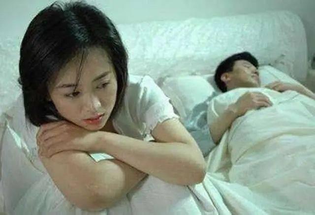 老公总是怀疑老婆出轨欺骗他_老公我出轨了_出轨给老公找情人