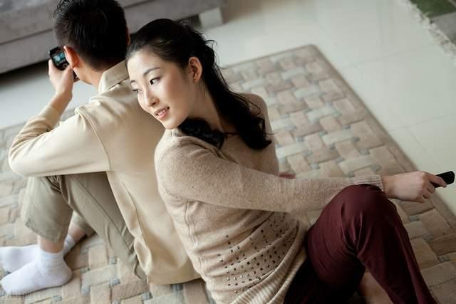 五十岁男人婚外情_中年男人喜欢婚外情_五十岁男人婚外情