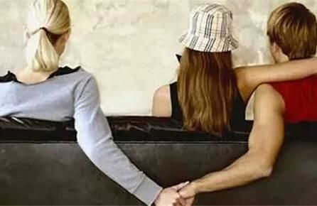 婚外情女人被发现离婚_40多岁的女人婚外情_婚外情女人的下场