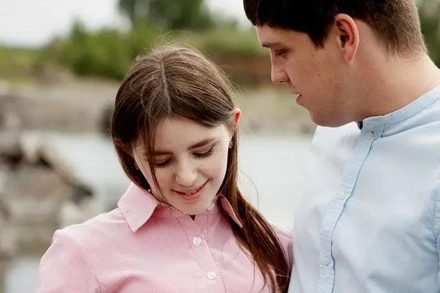 婚外情女人爱男人表现_婚外情女人被抛弃_婚外情对女人的伤害